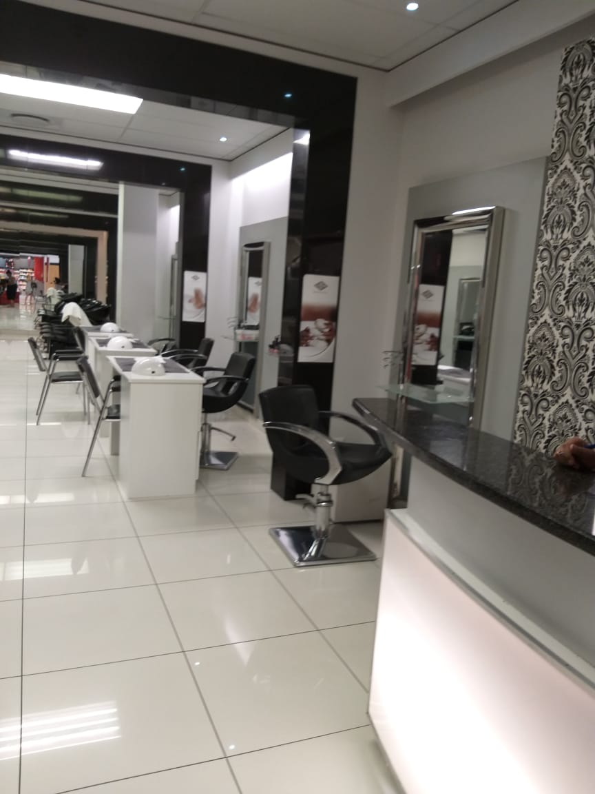 Lashee Beauty Saloon